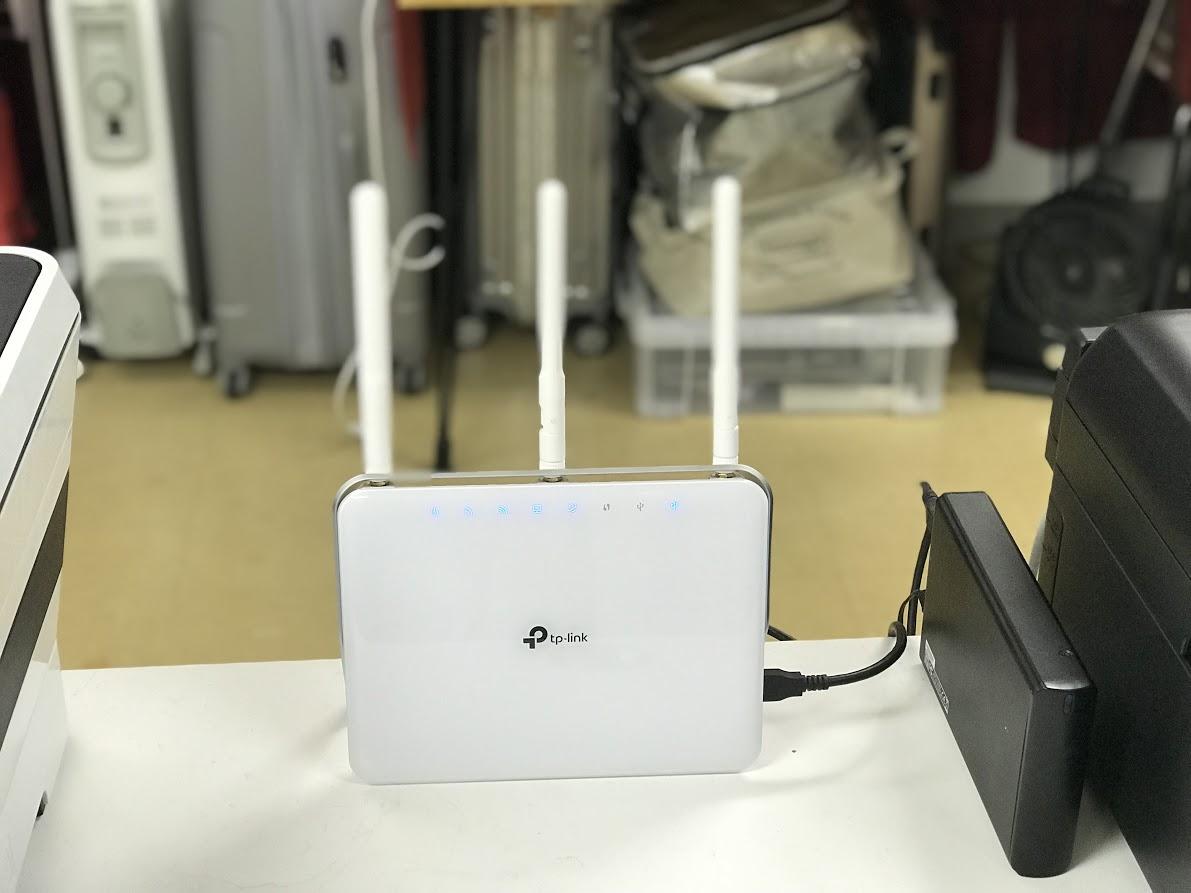 NAS」としてハードディスクを活用。USBポートが付いている無線