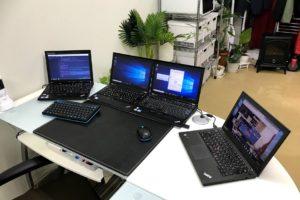 一組のマウス&キーボードで最大4台を同時に操作できる「Mouse without Borders」